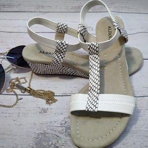 New Platform shoes alfani white color size 5.5